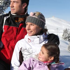 Sonnenschutz für die ganze Familie im Winter